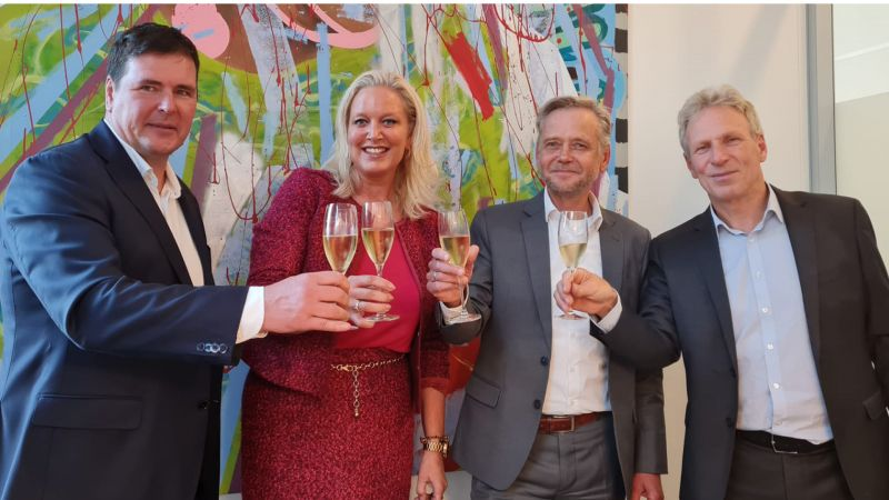 HOUSE OF TALENTS NEEMT NOORDERBUUR THE HUMAN NETWORK OVER